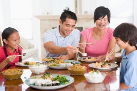 family_eating_dinner_-_asian