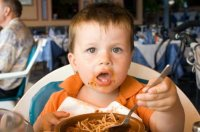 child-in-restaurant