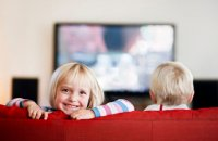 101210_kids_watching_tv