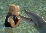 girl_with_dolphin