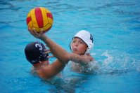 kids_playing_water_polo