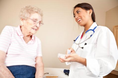 elderly_woman_patient_with_doctor