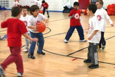 teaching_kids_basketball
