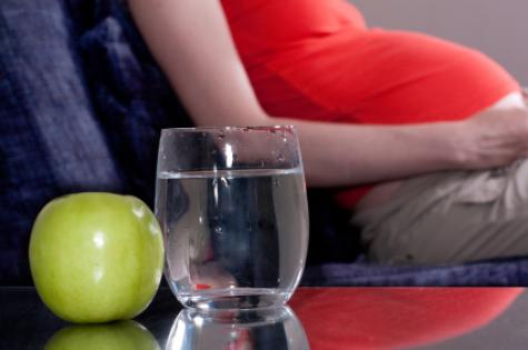 pregnant_woman_and_water