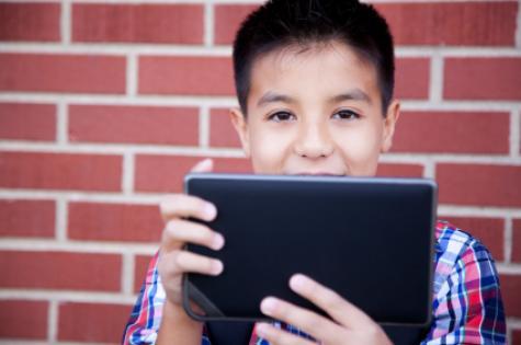 reading_digital_age_-_boy
