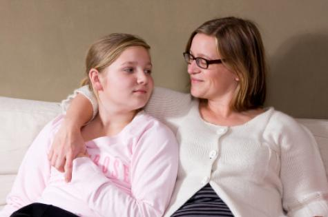 mother_and_daughter_talking