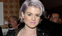 kelly_osbourne_grey