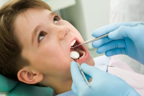 child_at_dentist