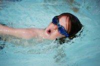 boy_swimming