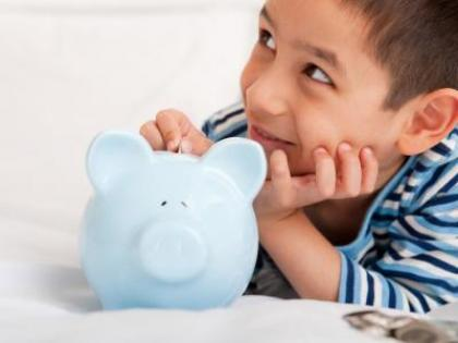 piggy_bank_and_boy