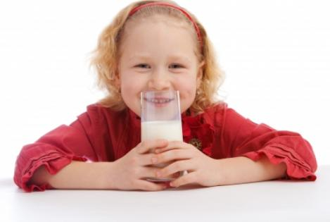 child_with_milk_-_red