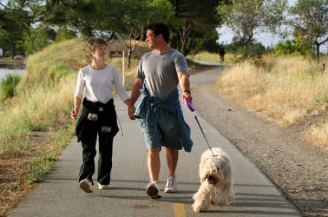 couple_walking_dog