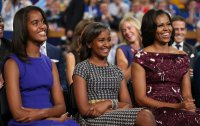 michelle_with_daughters