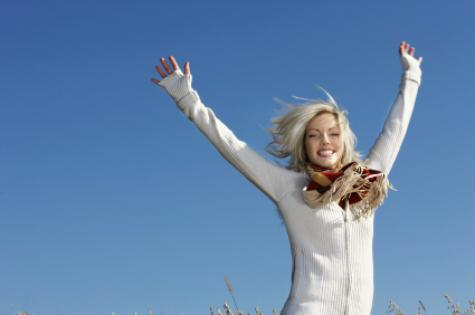 woman_jumping_-_winter