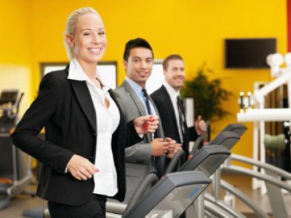 employees_exercising