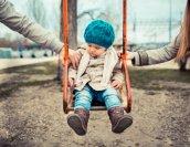 child_on_swing