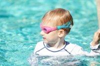 boy_in_pool
