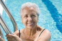 older_woman_swimming