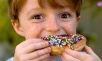 boy_eating_donut