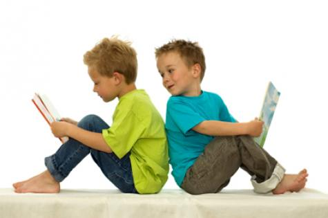 2-boys-reading
