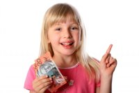 little-girl-with-money