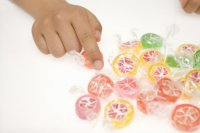 child-reaching-for-lollies