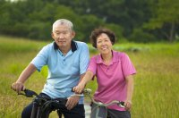 couple-older-cycling