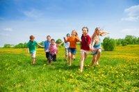 kids-playing-running