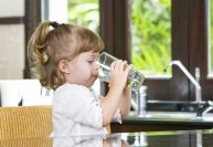 girl-drinking-water