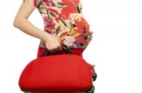 mop-preg-woman-bag