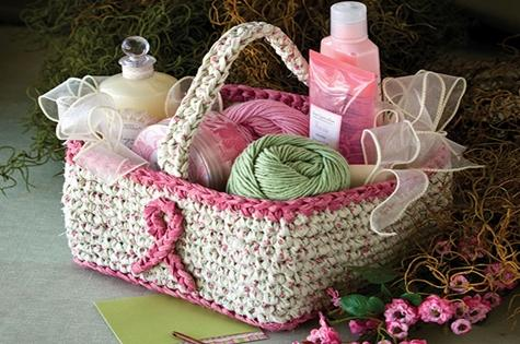 crochet_gift_basket
