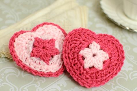 crochet_heart_sachet