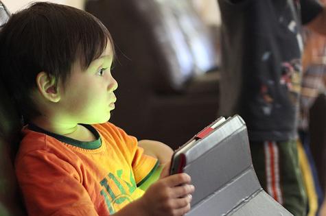 Online-safety-for-kids-motherpedia