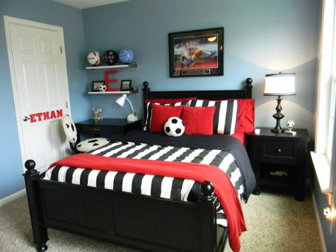 12 budget conscious ideas for your teen boy s bedroom for Boys football bedroom ideas